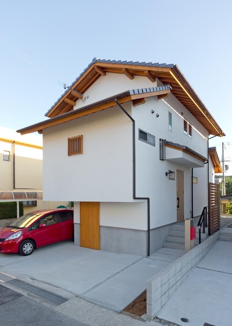 近隣の建物からの目線を考慮しながら、明るく眺望が望める家